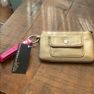 NWT Hollywood Intuition Change Purse